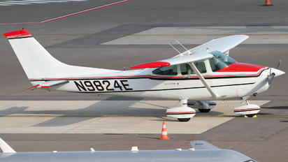 N9824E - Private Cessna 182 Skylane (all models except RG)