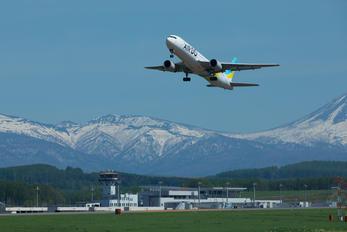 - - Air Do - Hokkaido International Airlines Boeing 767-300