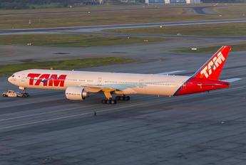 PT-MUF - TAM Boeing 777-300ER