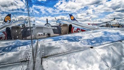 UK-CTB - Private Lockheed 10 Electra