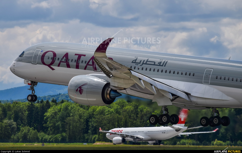Qatar Airways A7-ALB aircraft at Zurich