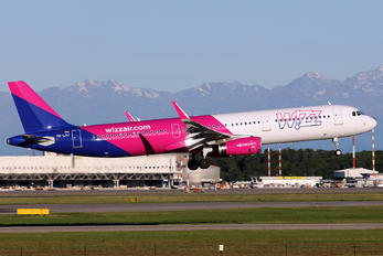 HA-LXJ - Wizz Air Airbus A321