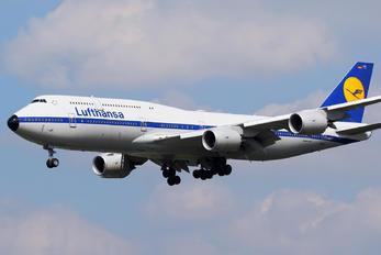 D-ABYT - Lufthansa Boeing 747-8