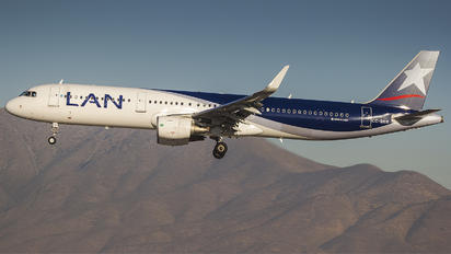 CC-BEB - LAN Airlines Airbus A321