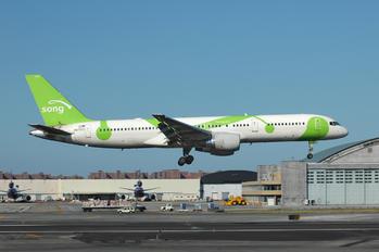 N6708D - Song Airlines Boeing 757-200