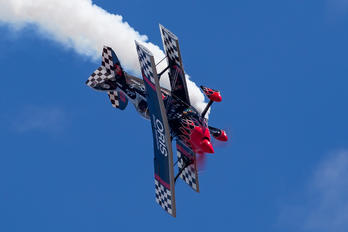 N540S - Skip Stewart Airshows Pitts S-2S Special