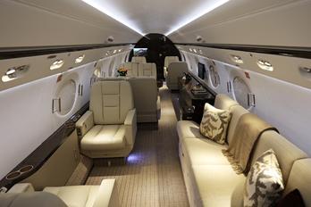 N550GU - Private Gulfstream Aerospace G-V, G-V-SP, G500, G550