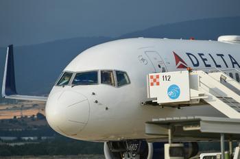 N707TW - Delta Air Lines Boeing 757-200