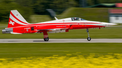 J-3088 - Switzerland - Air Force:  Patrouille de Suisse Northrop F-5E Tiger II
