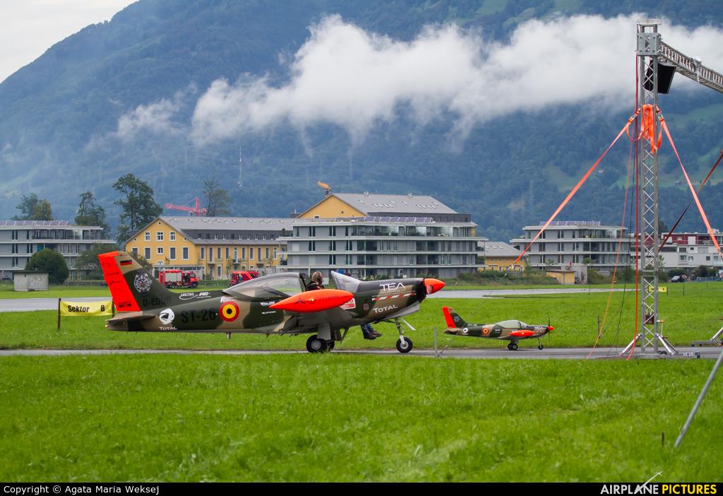 Senheiser Aviation Headsets D-EDUR aircraft at Mollis