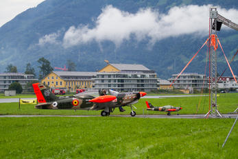 D-EDUR - Senheiser Aviation Headsets SIAI-Marchetti SF-260