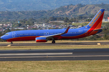 N8327A - Southwest Airlines Boeing 737-800