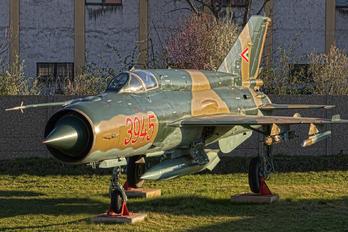 3945 - Hungary - Air Force Mikoyan-Gurevich MiG-21bis