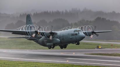 AX5351 - USA - Navy Lockheed C-130T Hercules