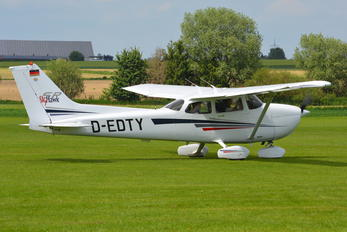 D-EDTY - Private Cessna 172 Skyhawk (all models except RG)