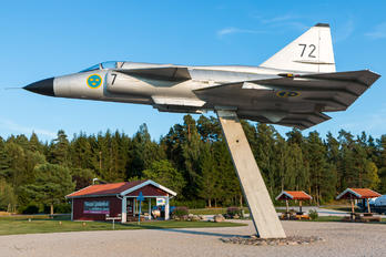 37072 - Sweden - Air Force SAAB AJS 37 Viggen