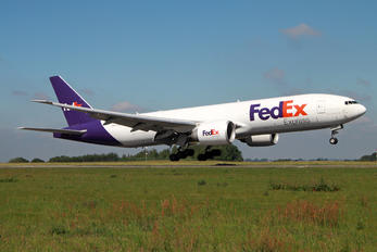 N883FD - FedEx Federal Express Boeing 777F