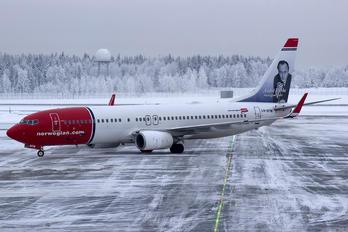 LN-DYM - Norwegian Air Shuttle Boeing 737-800