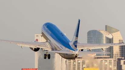 LV-GKT - Aerolineas Argentinas Boeing 737-800