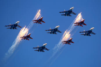 "03 - Russia - Air Force ""Russian Knights"" Sukhoi Su-27"