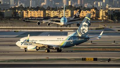 N622AS - Alaska Airlines Boeing 737-700