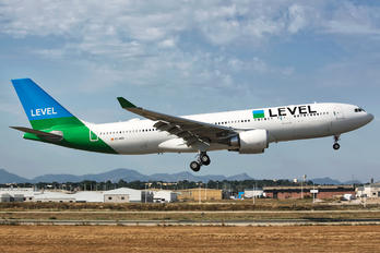 EC-MOU - LEVEL Airbus A330-200