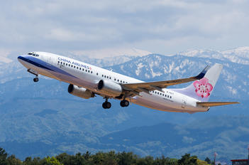 B-18617 - China Airlines Boeing 737-800