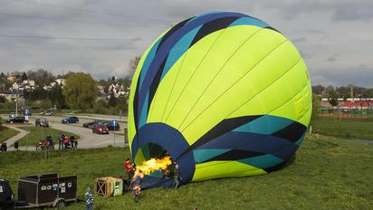 UR-PXKE -  Balloon -