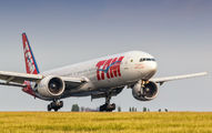 PT-MUJ - TAM Boeing 777-300ER aircraft