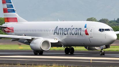N933AN - American Airlines Boeing 737-800