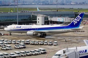 JA8568 - ANA - All Nippon Airways Boeing 767-300