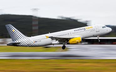 EC-LQJ - Vueling Airlines Airbus A320