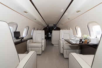 M-INER - Private Bombardier BD-700 Global 6000