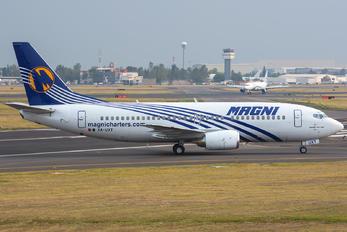 XA-UXT - Magnicharters Boeing 737-300
