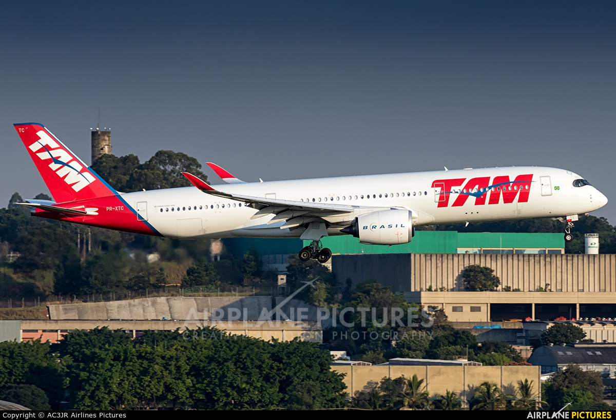 TAM PR-XTC aircraft at São Paulo - Guarulhos