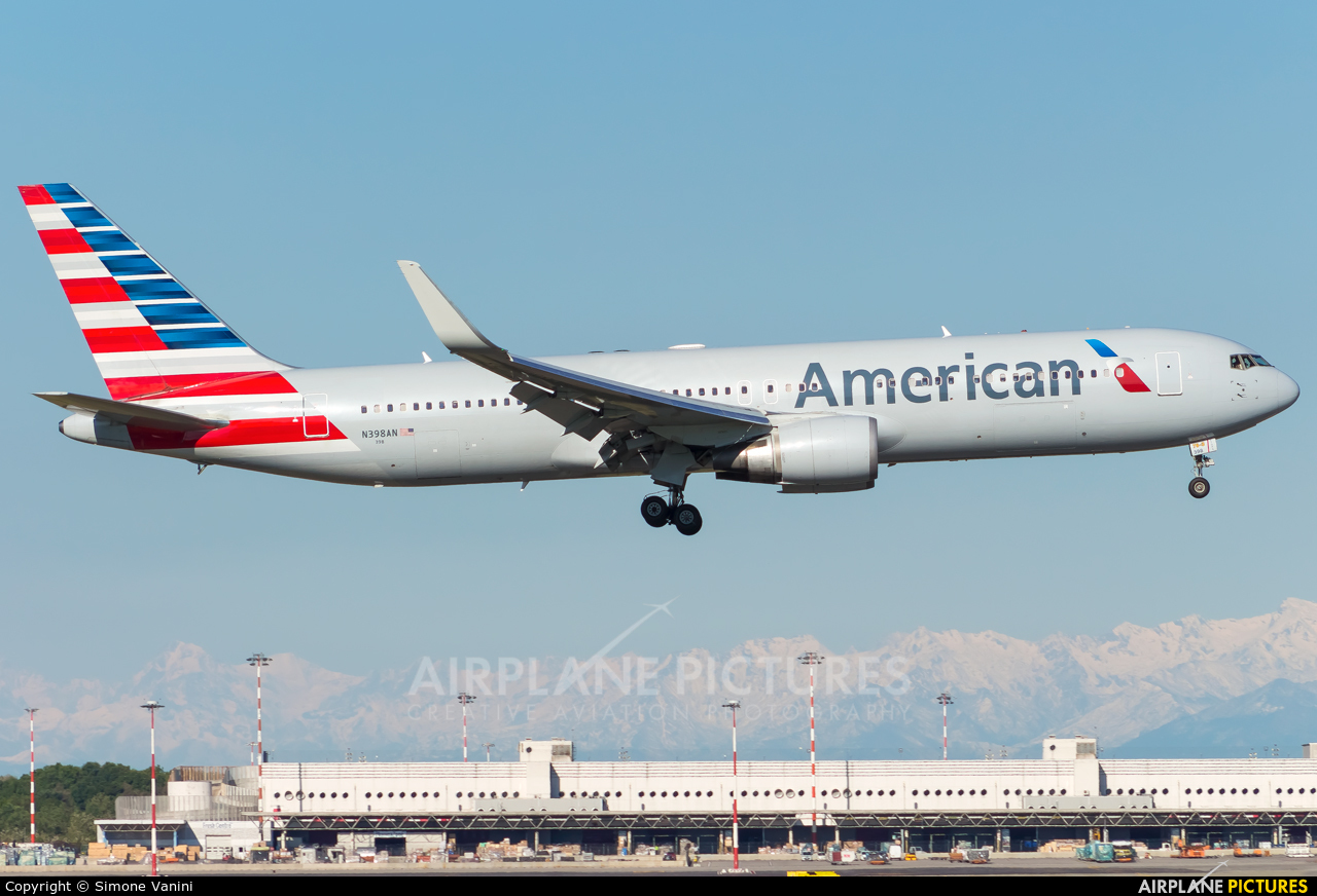 American Airlines N398AN aircraft at Milan - Malpensa