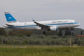 9K-AKH - Kuwait Airways Airbus A320