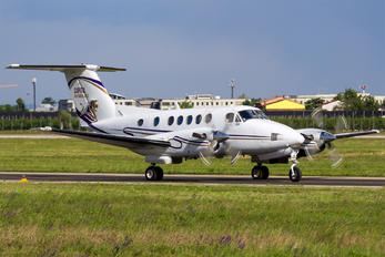 G-ZVIP - Private Beechcraft 200 King Air