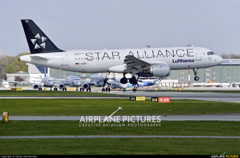 Lufthansa D-AIPD aircraft at Warsaw - Frederic Chopin