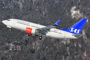 LN-TUM - SAS - Scandinavian Airlines Boeing 737-700