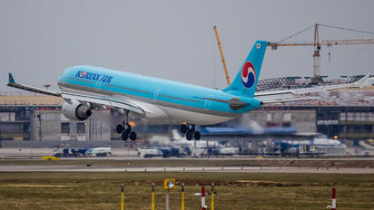 HL8003 - Korean Air Airbus A330-300