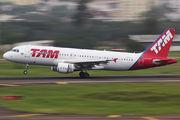 PR-MYK - TAM Airbus A320 aircraft