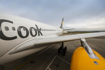G VYGK - Thomas Cook Airbus A330-300