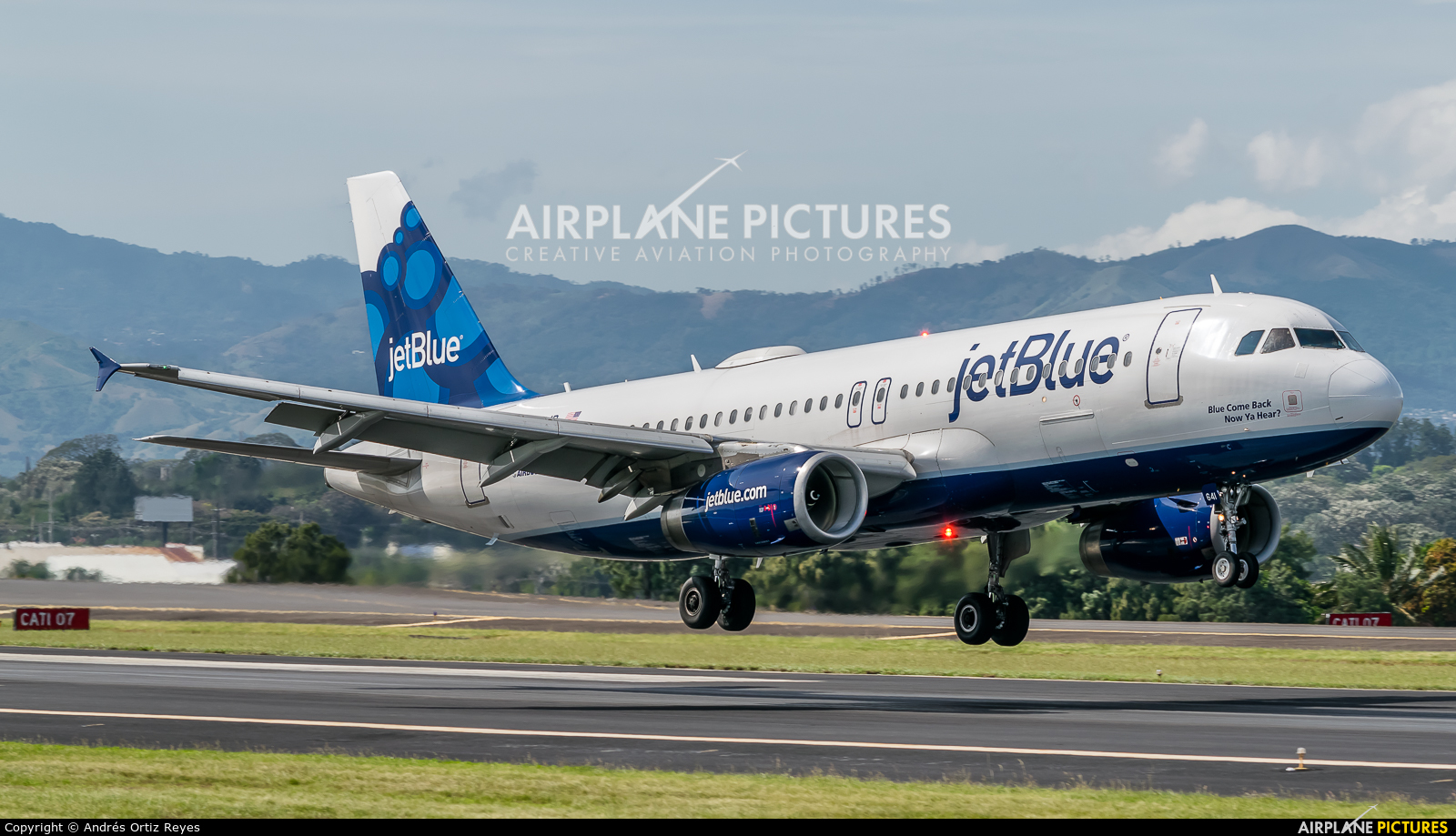 JetBlue Airways N641JB aircraft at San Jose - Juan Santamaría Intl
