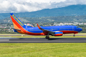 N404WN - Southwest Airlines Boeing 737-700