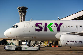 CC-ABV - Sky Airlines (Chile) Airbus A320