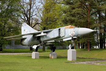 4644 - Czechoslovak - Air Force Mikoyan-Gurevich MiG-23ML