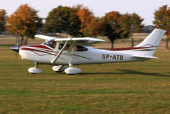 SP-ATB - Private Cessna 182 Skylane (all models except RG)