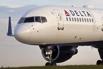 N706TW - Delta Air Lines Boeing 757-200