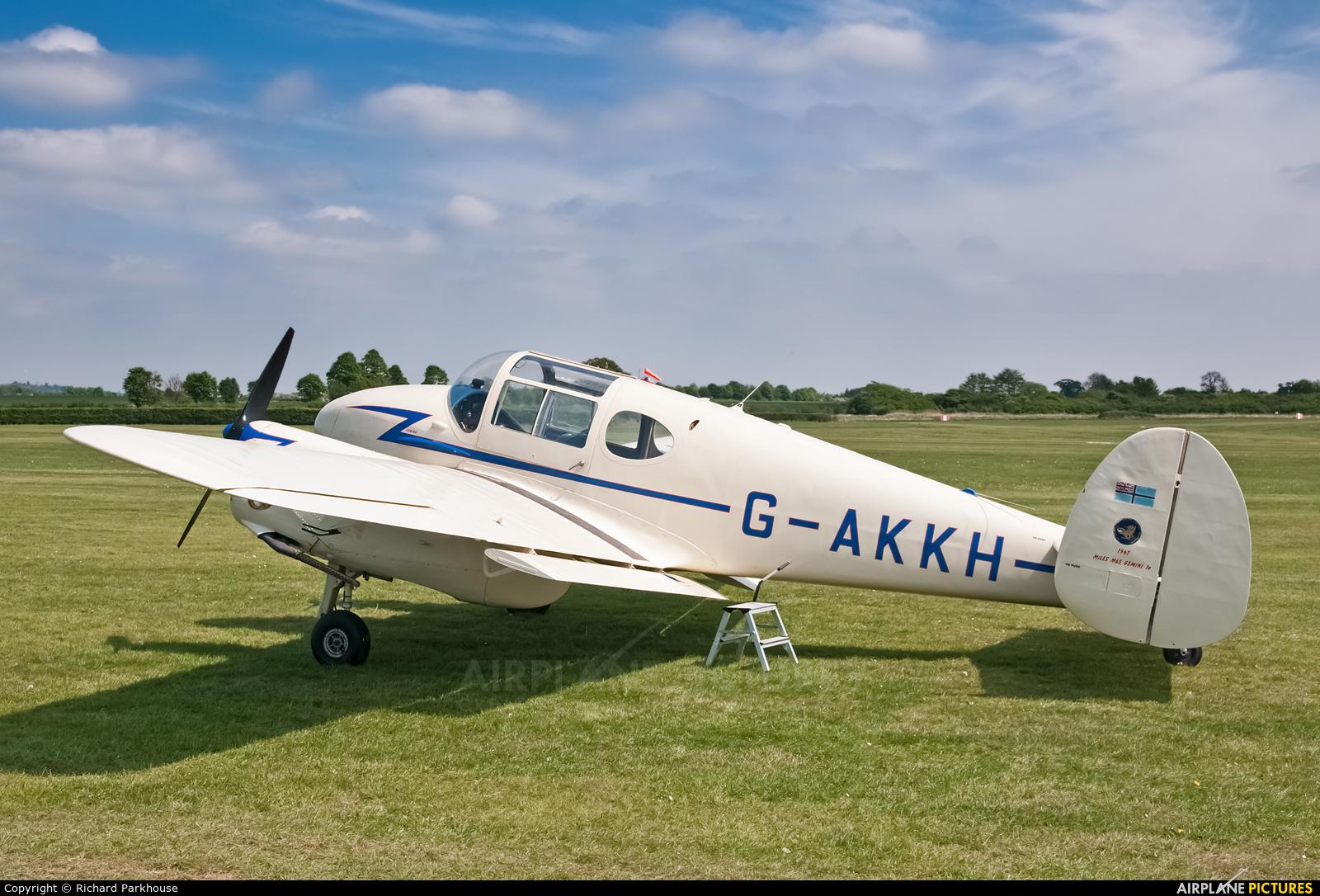 Private G-AKKH aircraft at Old Warden